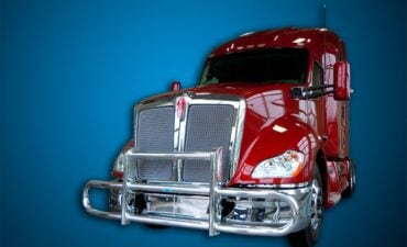 Frontend view of a Kenworth tube bumper