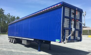 Auto Roll Up Curtain Live Haul Trailer